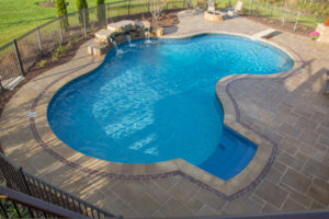 Vinyl-liner-pool-construction-rockford-il