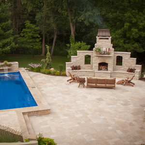 hardscape-landscape-fiberglass-pool-and-deck-rockford-il-3