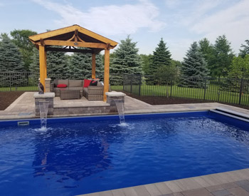 swimming pool contractor Milwaukee