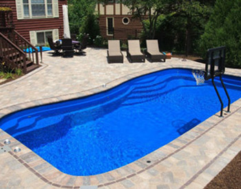 swimming pool contractor Rockford