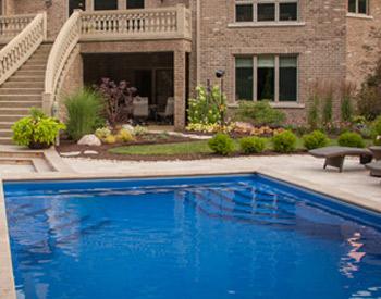 swimming pool contractor Rockford IL