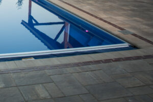swimming pool contractor machesney park