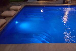 swimming pool builder beloit wi