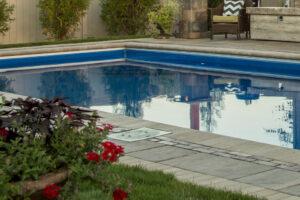 swimming pool builder machesney park il