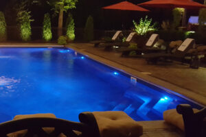swimming pool contractor beloit wi